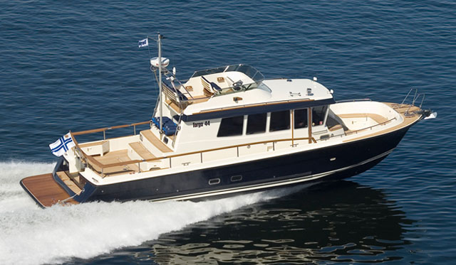 Barco a motor Targa 44
