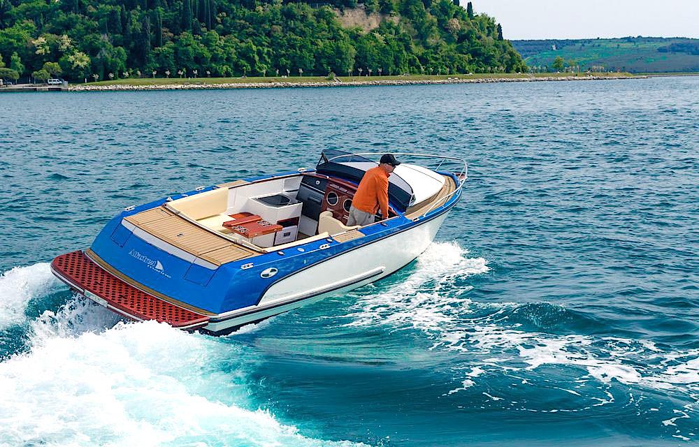 Barco a motor Alfastreet 23