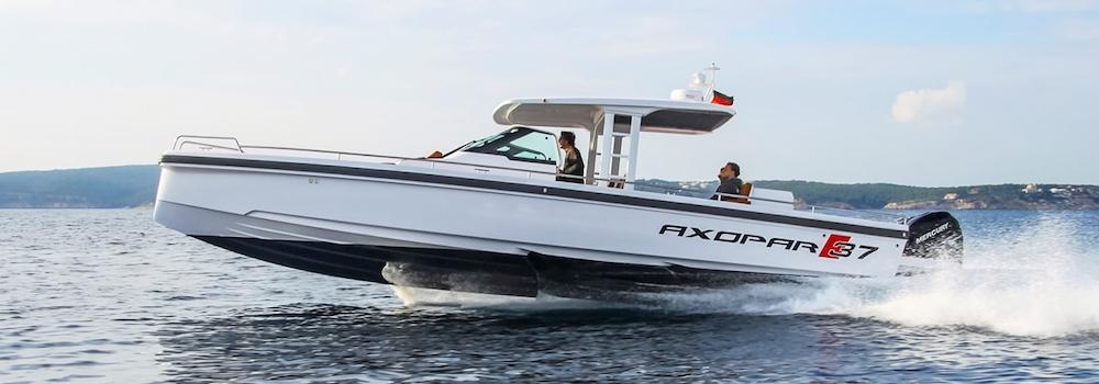 Barcos a motor casco escalonado 3