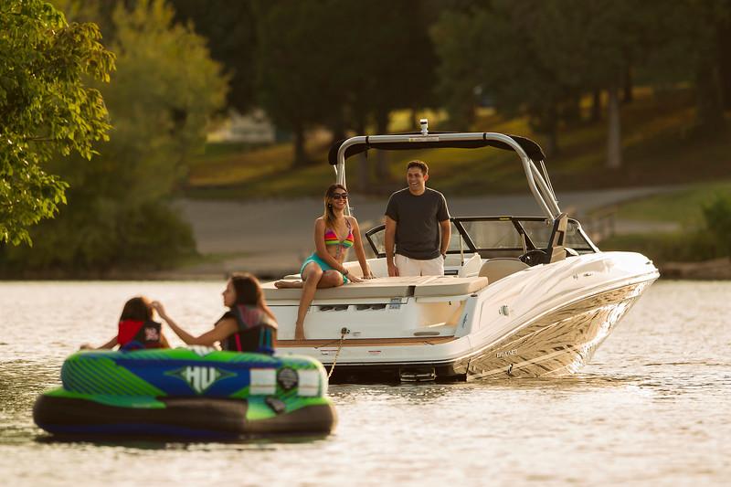 Bayliner VR5 Bowrider deportes acuaticos