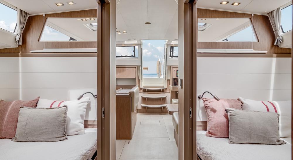 Beneteau Sense 57 cabine-laterales