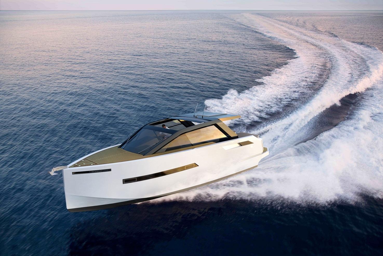 Barco a motor De Antonio Yachts D43
