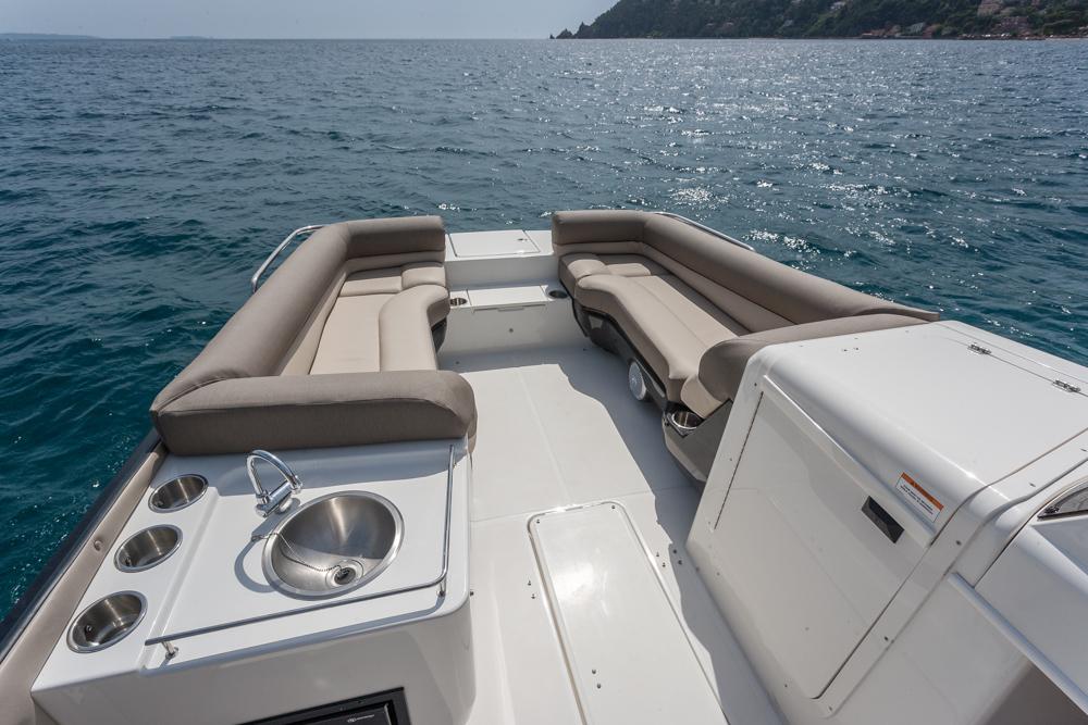 Bayliner Element XR7 asientos de proa