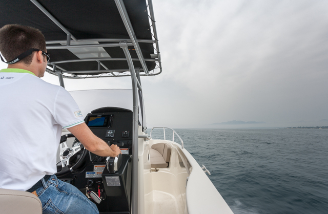 Quicksilver Activ 805 Pro Fish puesto de mando