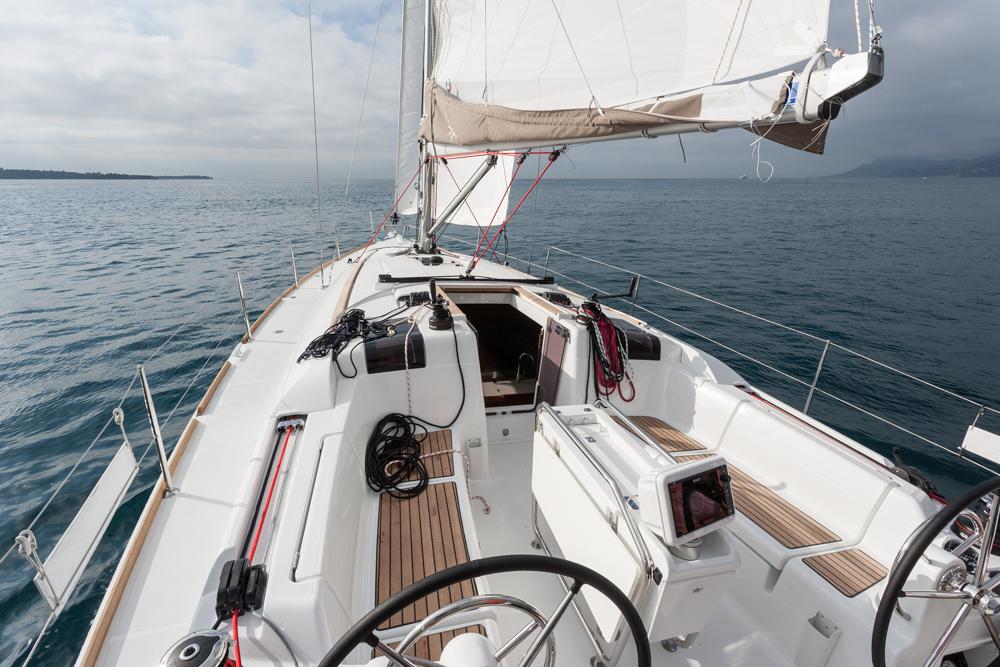 Prueba Jeanneau Sun Odyssey 419 cubierta