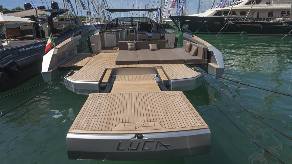 Salon Palma Evo Yachts 43