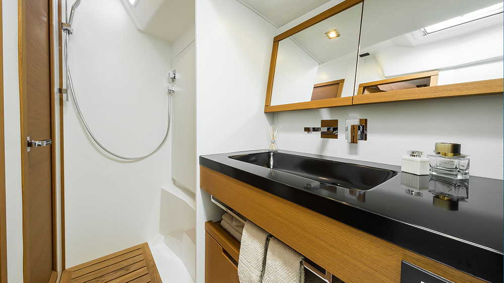 Grand Soleil 58 baño