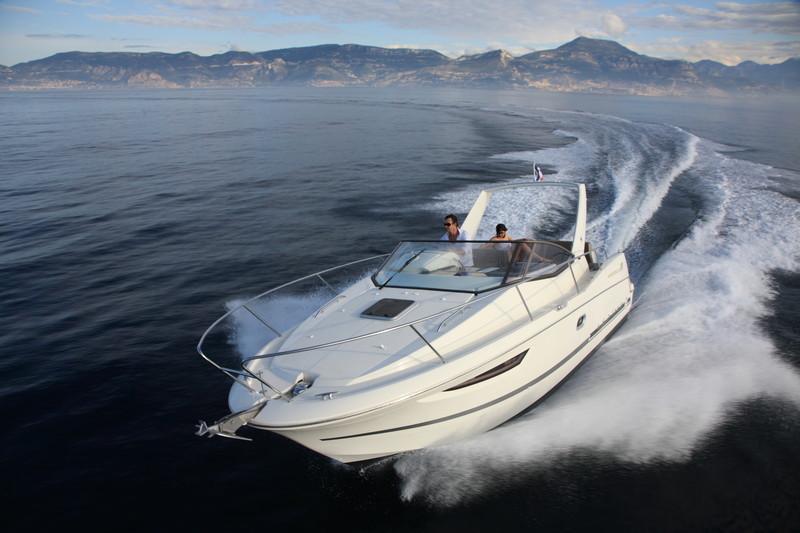 Comprar un barco a motor: ¿Qué barco a motor es el más adecuado?