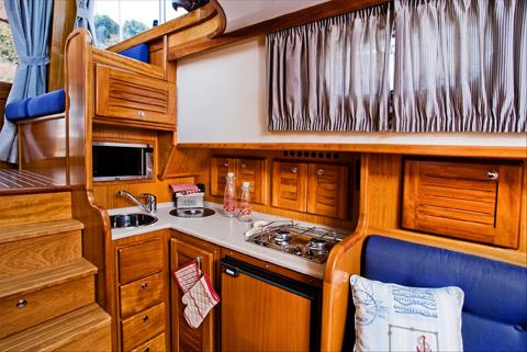 cocina de barco a motor Menorquín 12