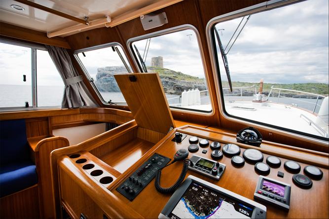 barco a motor Menorquín