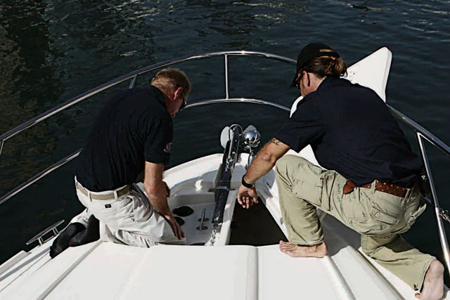 Peritaje naval- verificando equipamiento del barco