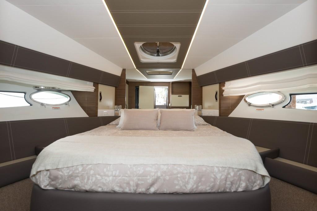 Yate Rodman Muse 44 cama doble del camarote proprietario