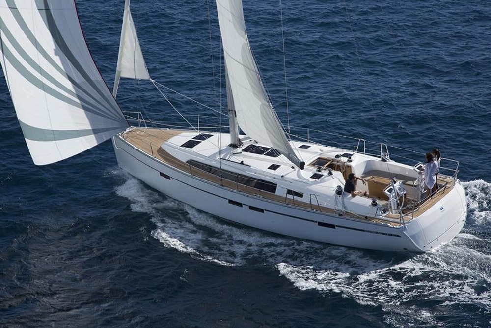 Bavaria Cruiser 46 navegando