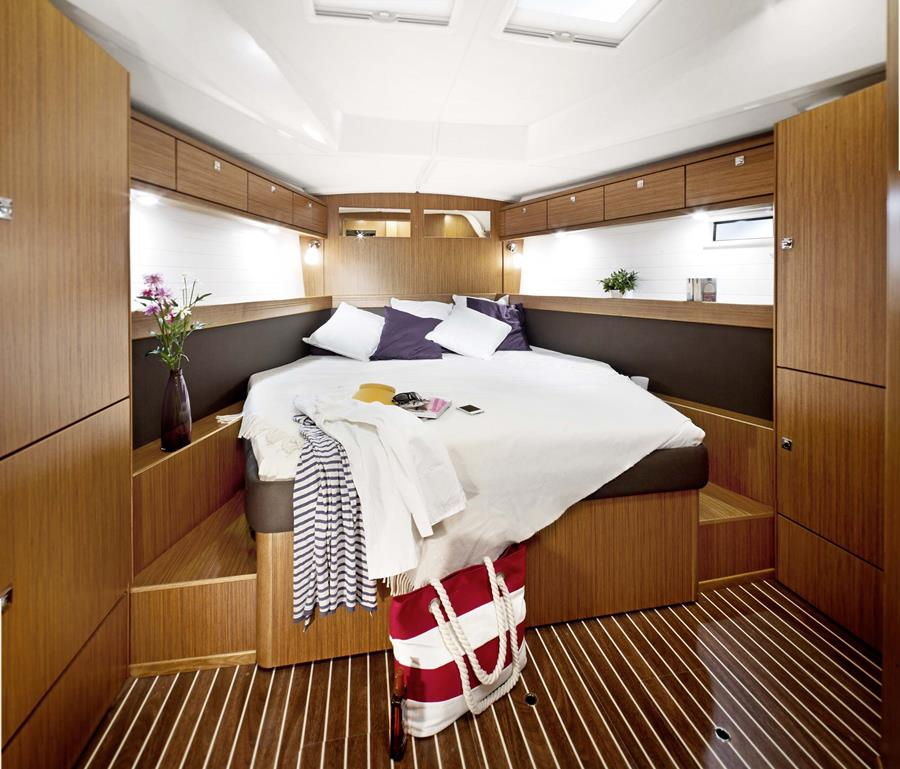 Bavaria Cruiser 46 camarote