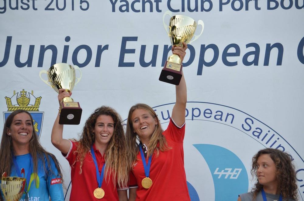 Barbara Cornudella Ravetllat y Sara Lopez Ravetllat campeonas junior de europa clase 470