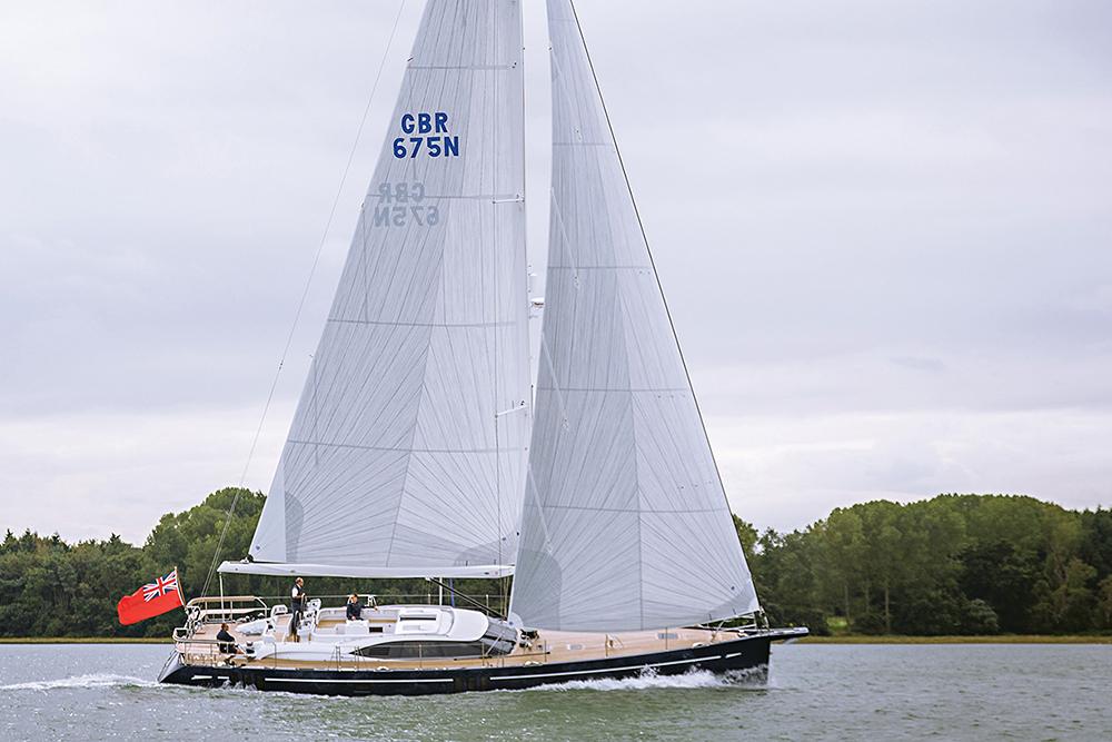 Oyster 675 navegando