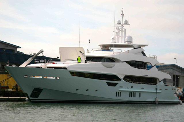10 estupendos nuevos barcos a motor del 2014 for Barcos sunseeker nuevos
